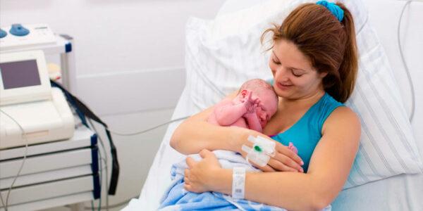 Transmisión covid 19 madre a hijo